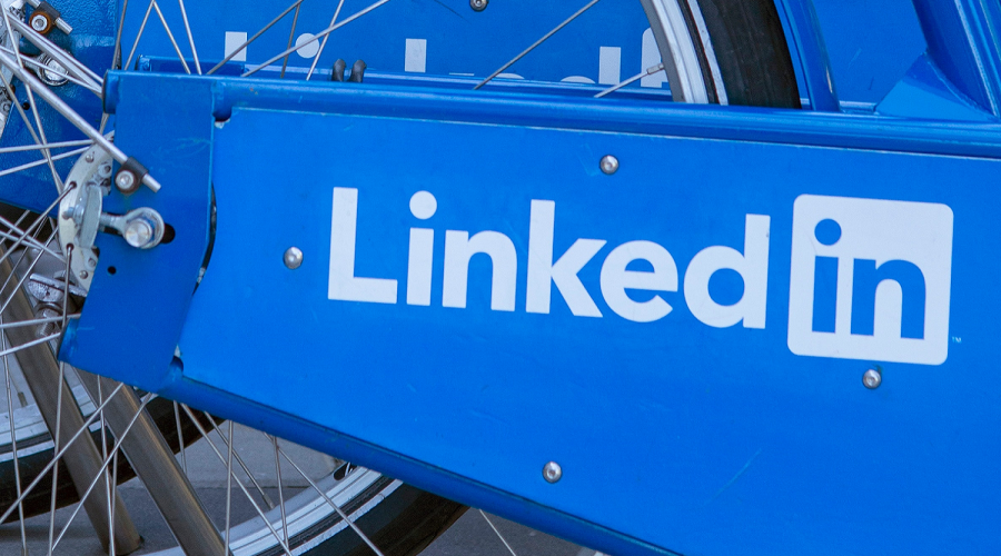 How to Transfer Pet Business Contacts on LinkedIn